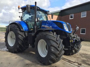 New Holland T7230